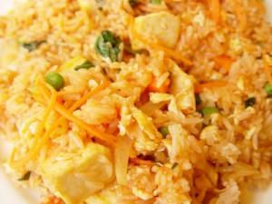 Küpsetatud tofu-riisiroog