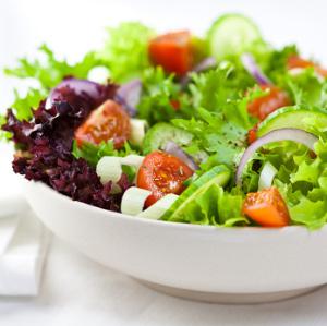 Kerge salat tofuga